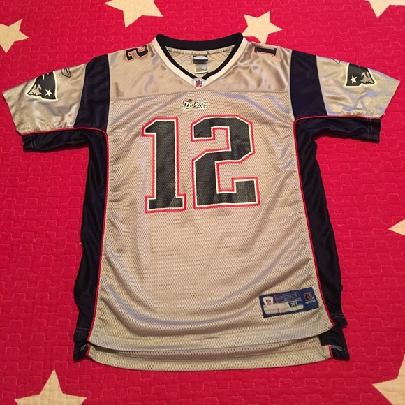 Reebok NFL New England Patriots Tom Brady Jersey🏈.  M 5c294a2c0cb5aaccf1aea4cc f0d032278